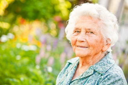 Alte Frau genügend Rente
